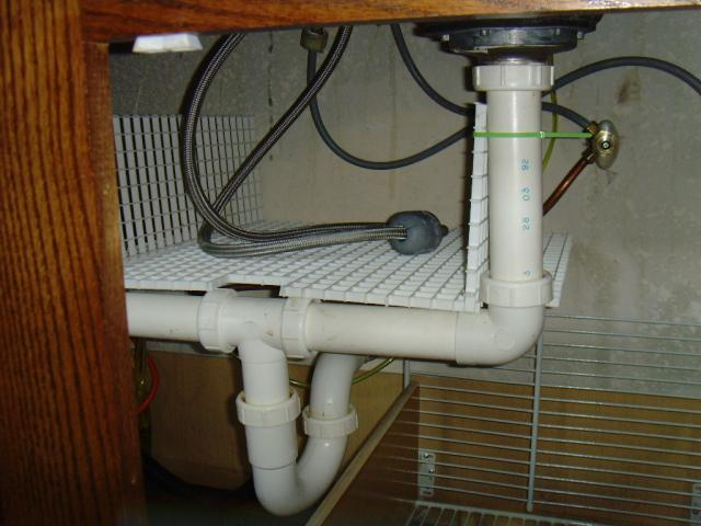 Basket for sink faucet hose.